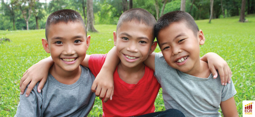 7 Simple but Life-Changing Ways to Teach Kids to Love Others